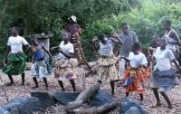 Cultural Encounters In Murchison Falls